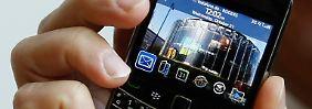 """""""Bold"""" kommt, Kurseinbruch: Blackberry-Minus wirft Fragen auf"""