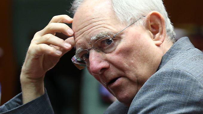 Finanzminister Wolfgang Schäuble sollte im Umgang mit der Depfa laut Experten abwägen: Gewinnmaximierung oder Risikominimierung.