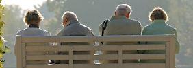 Dummes, deutsches Geld: Das Kreuz mit der Altersvorsorge