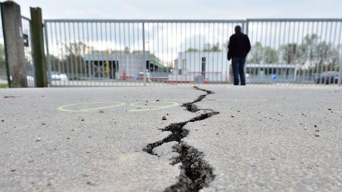 Risse und Schlaglöcher auf den Straßen stören zwei Drittel der Autofahrer im Land.