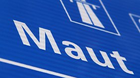 Geld für Deutschlands Straßen: Dobrindt kündigt Pkw-Maut ab Januar 2016 an