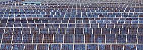 Erneuerbare Energien: Kabinett kürzt Solarzulage