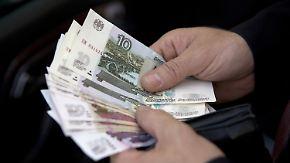S&P stuft Bonität herab: Sanktionen belasten russische Wirtschaft