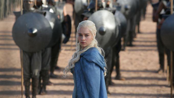 Auch die mögliche Thronfolgerin Daenerys Targaryen (Emilia Clarke) wurde in der Serie schon vergewaltigt - von ihrem Ehemann.