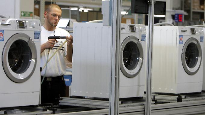 Bosch Siemens Hausgeräte (BSH) hat nach vorläufigen Angaben 2013 einen Rekordumsatz von 10,5 Milliarden Euro erzielt.