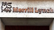 Wegen Geldwäsche-Vorwürfen ermitteln offenbar US-Aufseher gegen Merrill Lynch und Charles Schwab.