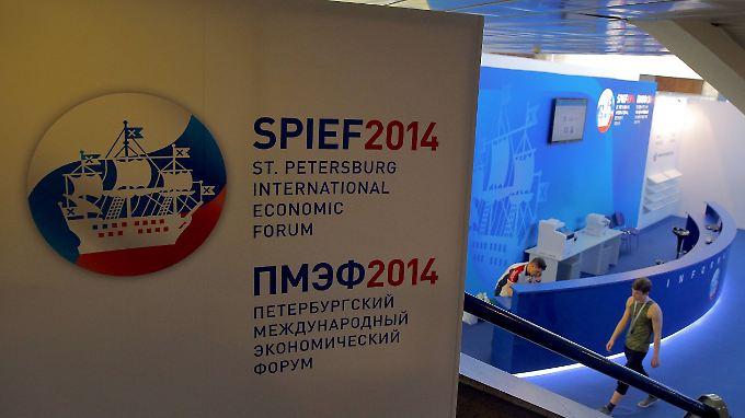Gerade wegen der Spannungen mit Moskau ist der Wirtschaftsgipfel wichtiger denn je, findet Peter Ramsauer.
