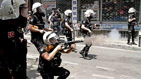 Proteste in der Türkei: Polizeikugel tötet Passanten in Istanbul