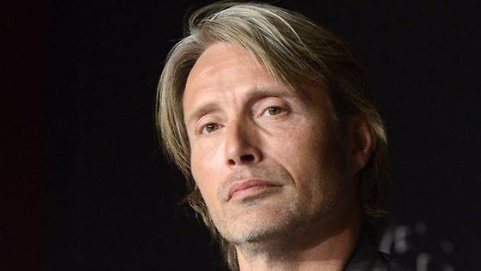 Der dänische Schauspieler Mads Mikkelsen gibt dem Bösen ein Gesicht und spielt die Rolle des Dr. Hannibal Lecter.