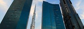 ... das höchste Gebäudes der Welt ist und auch die meisten Stockwerke hat, ...
