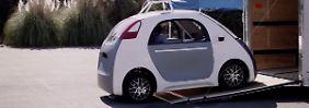 Das selbtsfahrende Google-Car ohne Lenkrad und Bremse sieht aus wie eine Gondel auf Rädern.