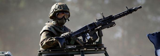 """Verstärkung für die Streitkräfte in Skandinavien: Eine neue Lkw-Generation soll """"sowohl die Transportkapazität der Nachschubtruppe als auch deren operative Fähigkeiten steigern""""."""