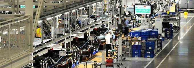Rückenwind für die lokale Wirtschaft: Ein Blick in die VW-Werkshalle in Chattanooga, wo US-Mitarbeiter den VW-Passat für den Nordamerikamarkt montieren.
