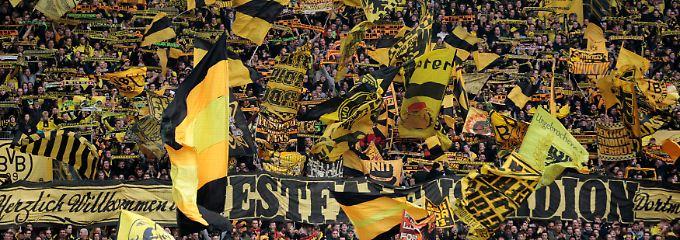 BVB-Fans im Stadion: Spielt die Deutsche Bank bald in Dortmund mit?