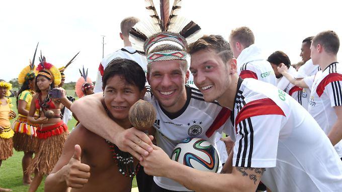 Lukas Podolski und Co dürfen sich über satte WM-Boni freuen - vorausgesetzt sie kommen ins WM-Viertelfinale.