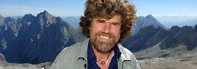 Sucht immer wieder die Grenzerfahrung: der Extrembergsteiger Messner auf dem Zugspitzplatt in Bayern.