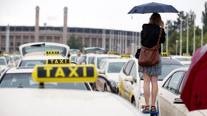 Das Taxigewerbe sieht in Uber unfaire Konkurrenz.