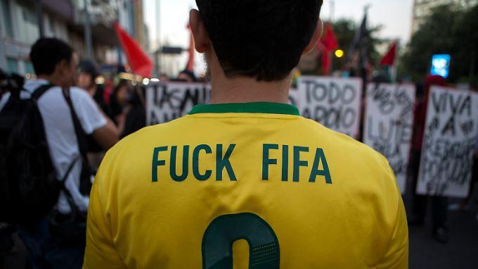 Die WM stößt in Brasilien nicht überall auf grenzenlose Begeisterung.