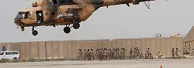Rettung deutscher Kraftwerkstechniker: Die irakische Armee - hier bei einer Übung im April - ist mit Transporthubschraubern russischer Bauart ausgestattet (Archivbild).
