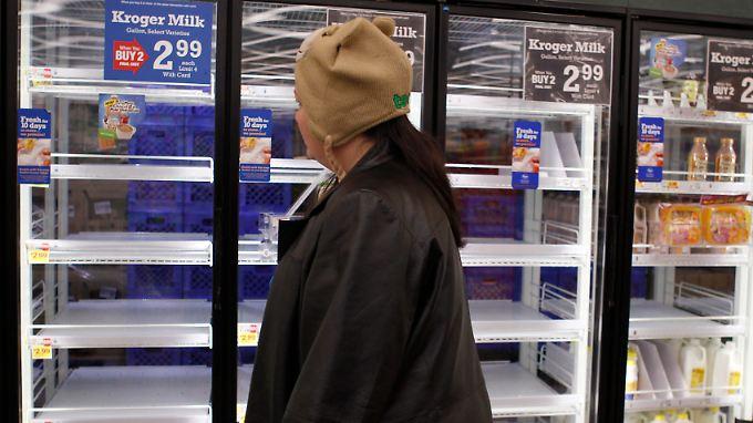 Schneestürme, Stromausfälle, leere Regale: Der Winter beutelt die US-Wirtschaft zu Jahresbeginn arg.