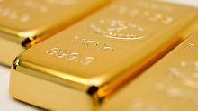 Gold glänzt. Allerdings darf das nicht über das Risiko hinwegtäuschen, dass mit dieser Anlageform verbunden ist. Rendite zum Beispiel machen Anleger nur über den Preis.