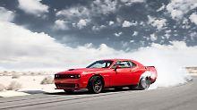 Mit 881 Newtonmeter kann man locke die Gummis des Dodge Challenger SRT Hellcat wegbrennen.