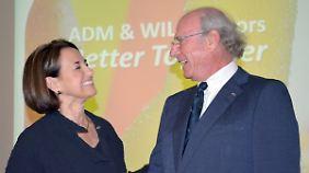 ADM-Chefin Patricia Woertz (l.) und Unternehmer Hans-Peter Wild.