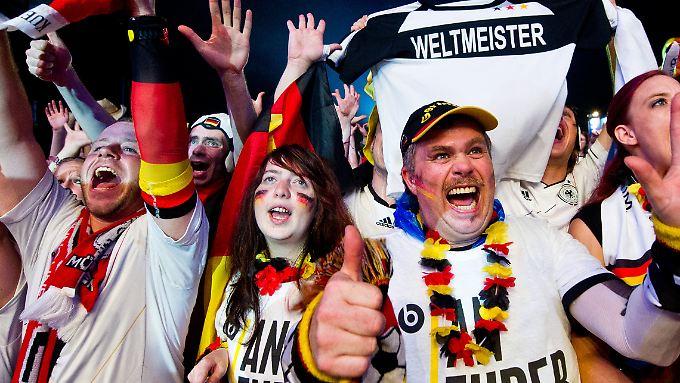 """Mit """"erlesener Grausamkeit"""" habe die deutsche Mannschaft im Halbfinale die brasilianische Seleção """"verpulvert"""", schreibt die internationale Presse."""