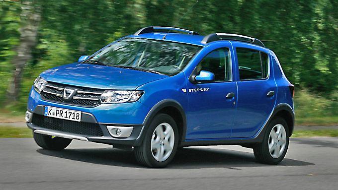 Auch mit 90 PS ist die rustikale Version des Dacia Sandero mit dem Beinahmen Stepway schon recht munter.