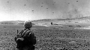 Ankara reagierte: Am 20. Juli landeten türkische Truppen im Norden der Insel. Die Kämpfe endeten erst einen Monat später mit der Einnahme der Hafenstadt Famagusta durch die türkische Armee.