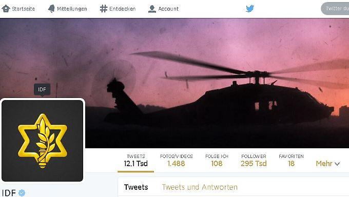 Die Israel Defense Forces (IDF) betreiben seit 2009 einen Twitter Account. Mittlerweile haben sie fast 300.000 Follower. Das Gegenstück der Hamas, der Account der Kassam-Brigaden verfügt über rund 12.000 Follower.