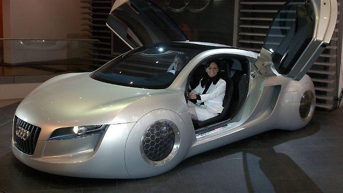 """Im Hollywoodfilm """"I, Robot"""" (20th Century Fox) können die Autos bereits führerlos fahren."""