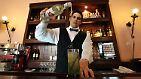 Wertanlagen der anderen Art: Mit Rum und Bonsais gegen die Krise