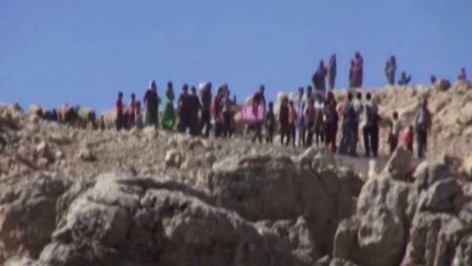 Hunderttausende fliehen vor IS-Miliz: Obama erlaubt Angriffe der Luftwaffe im Irak