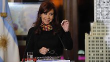 Cristina Fernández de Kirchner wendet sich an den Haager Gerichtshof.