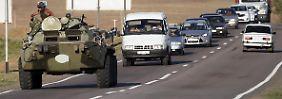 Erste direkte Konfrontation?: Ukraine zerstört angeblich russische Fahrzeuge