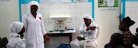 Ärzte verlassen Krankenhäuser: Ebola-Infizierte fliehen aus Klinik