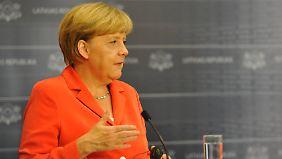 Spannungen mit Russland: Merkel sichert baltischen Staaten Nato-Beistand zu