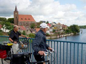 Brücke über den Oder-Spree-Kanal im Eisenhüttenstädter Ortsteil Fürstenberg.