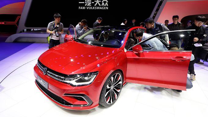 Volkswagen NMC-Concept Car auf der Auto China 2014 in Peking: Der Markt wird für Europas Branchenprimus immer wichtiger - aber nicht einfacher.