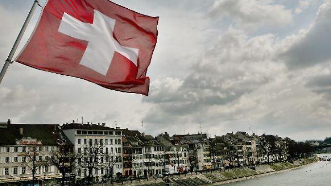 Harte Einschnitte: Die Schweizer Wirtschaft kämpft mit ihrer starken Währung.