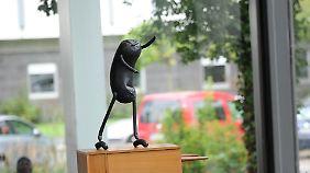 """Diese Skulptur heißt """"Step""""."""