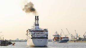 Schaden für Umwelt und Gesundheit: Kreuzfahrtschiffe sind riesige Drecksschleudern
