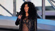 """""""Got to go sing"""": Cher ist schwer erkältet."""