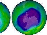 Vergleich der Ozonschicht über der Antarktis 2006 (r.) und 2013: Das in Blautönen dargestellte Loch hat sich binnen sieben Jahren deutlich verkleinert.