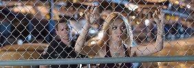 """""""Reckless"""" macht auf Erotik-Thriller: Korrupte Polizisten filmen Gruppensex"""