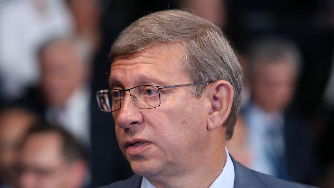 Wladimir Jewtuschenkow stehjt unter wegen der Verdächtigungen unter Hausarrest.