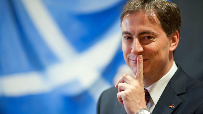 """""""Ich weiß, wie ich abgestimmt hätte"""", sagt McAllister. Doch als deutscher Politiker wolle er sich zurückhalten. Und als EU-Parlamentarier sieht er schon die nächste große Debatte auf Großbritannien zukommen."""