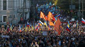 Zehntausende zogen durch die Straßen Moskaus.
