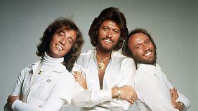 In den 60er- und 70er-Jahren feierten die Bee Gees - Robin, Barry und Maurice Gibb (v.l.) - große Erfolge auf der ganzen Welt.